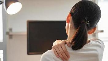 肩こりの症状・痛み別原因と対処法