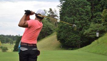 ゴルフ肘の原因